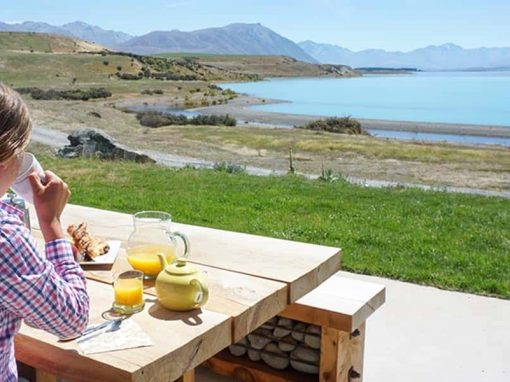 Enjoy breakfast in the sunshine with spectacular views at the Isolation Bay outdoor seating area.